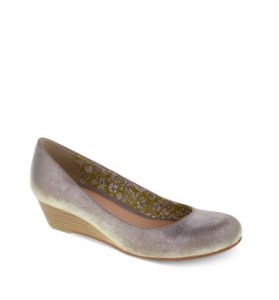Things You Didn't Know About Women's Wedge Shoes